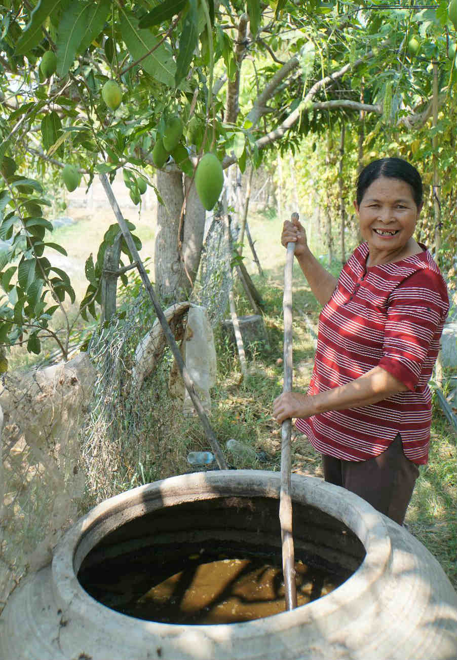 ThatOun Kom uses her biogas digester